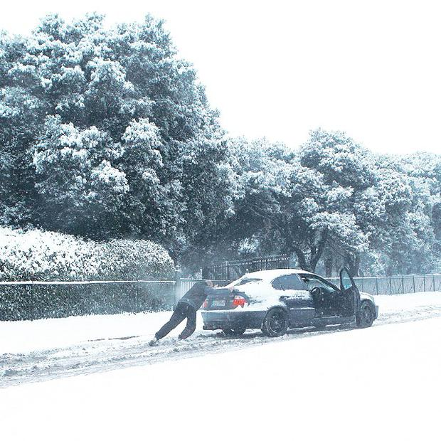 Heavy snow and freezing temperatures continue to cause motoring chaos around Dublin