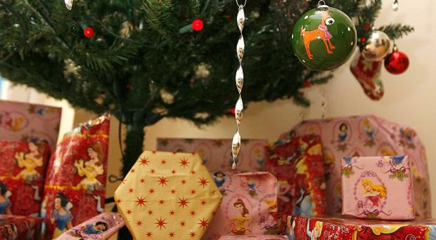 The Christmas holiday is too long, a survey suggests
