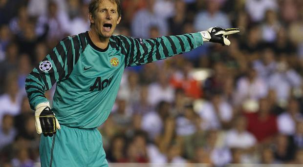 Edwin Van der Sar is expected to quit Manchester United and return to his native Netherlands next year