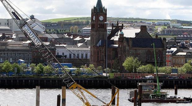 Remains of a 410-year-old fort have been discovered on the banks of the River Foyle