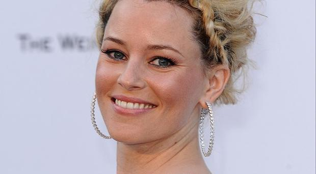 Elizabeth Banks says she loved working with Russell Crowe