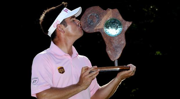 Louis Oosthuizen kisses the Africa Open trophy
