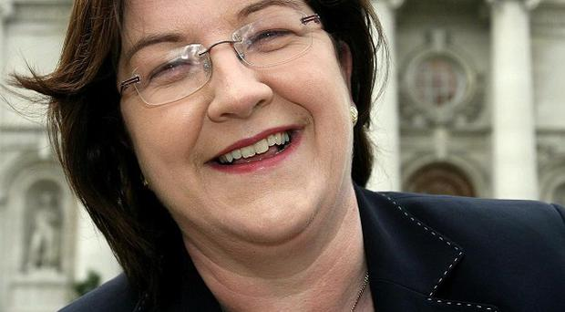 Fianna Fail TD Mary Wallace is to stand down at the General Election