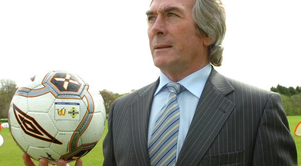 Northern Ireland and Spurs legend Pat Jennings is looking forward to seeing two in-form players, Dimitar Berbatov and Luka Modric clash at White Hart Lane in the Premier League on Sunday.