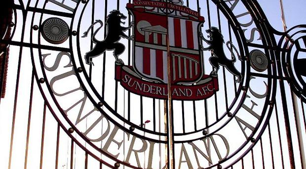 A Sunderland fan alleged to have pushed Newcastle keeper Steve Harper has reportedly tried to apologise to the player
