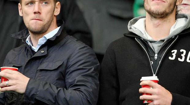 Kevin Nolan and Andy Carroll (right)
