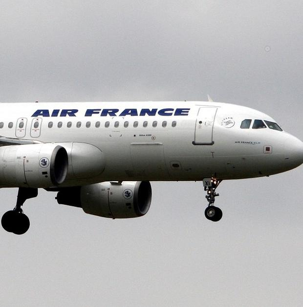 A fresh search for the flight recorders from the crashed 2009 Air France jet is to begin