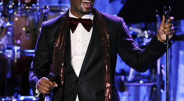 R Kelly perfomed at the pre-Grammys bash