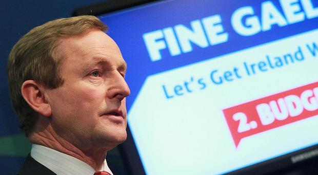 Fine Gael leader Enda Kenny claims his party could overhaul the political system if handed power