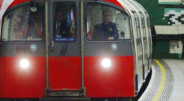 Chinese telecoms firm Huawei is bidding to install mobile phone transmitters in the London Underground