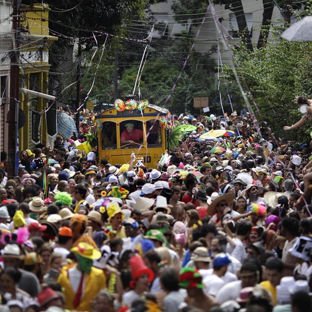 17 people were killed in an accident at a pre-Carnival parade in Bandeiro do Sul in Minas Gerais, Brazil (AP)