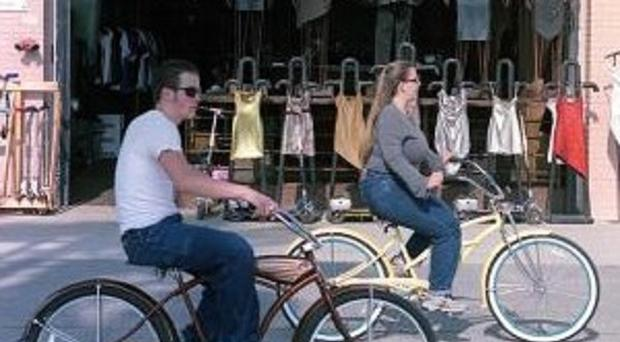 People in Los Angeles are being encouraged to ditch their cars in favour of bicycles