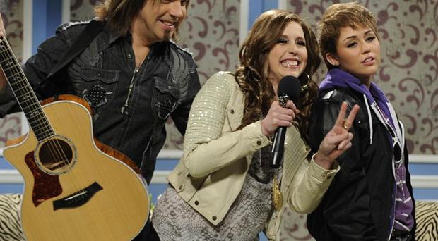 Miley Cyrus dressed up as Justin Bieber for an SNL sketch