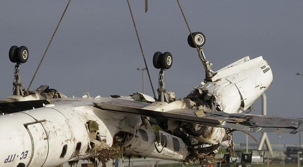 No mechanical faults have yet been identified in a plane that crashed killing six people and injuring six more