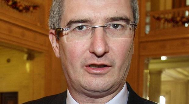 Ulster Unionist leader Tom Elliott has backed calls for a new probe into the murder of a young mother in Londonderry 30 years ago