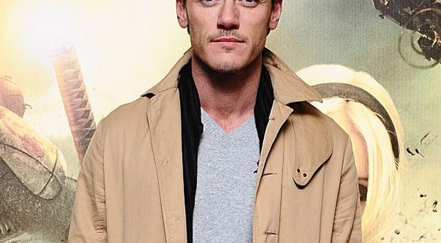 Luke Evans says he's still in the running for The Bourne Legacy