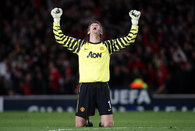 <b>MANCHESTER UNITED</b><br /> <b>Edwin van der Sar - 7</b><br /> Solid as a rock once more. Even managed a sliding tackle to rob Anelka.