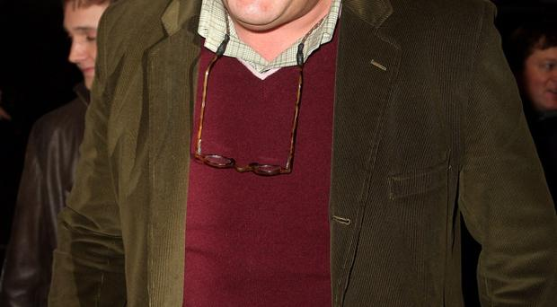 Stephen Fry says he'll go to prison for a man who joked on Twitter about blowing up an airport