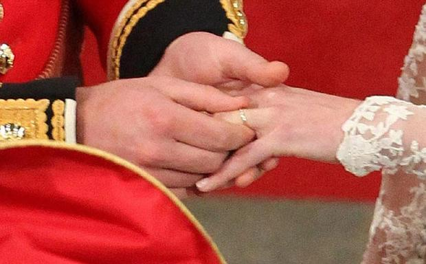 ALTERNATE CROPPrince William and Kate Middleton exchange rings during their wedding service at Westminster Abbey, London. PRESS ASSOCIATION Photo. Picture date: Friday April 29 2011. Photo credit should read: Andrew Milligan/PA Wire