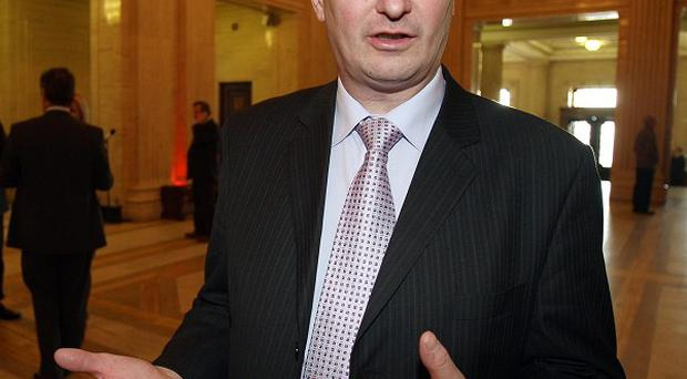 Ulster Unionist leader Tom Elliott said a formally-recognised opposition is required at Stormont by 2015