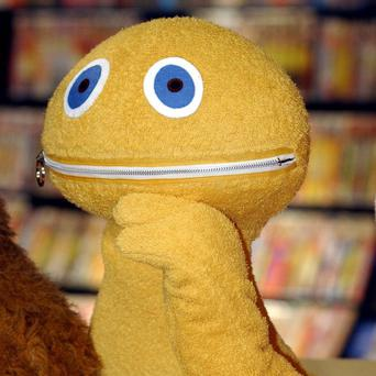Actor Roy Skelton, who provided the voice of TV's Zippy and the Daleks, has died aged 79