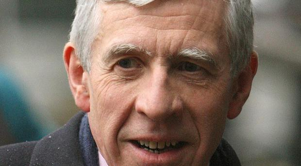 Jack Straw has contacted Scotland Yard after fresh allegations that private investigators committed breaches of privacy