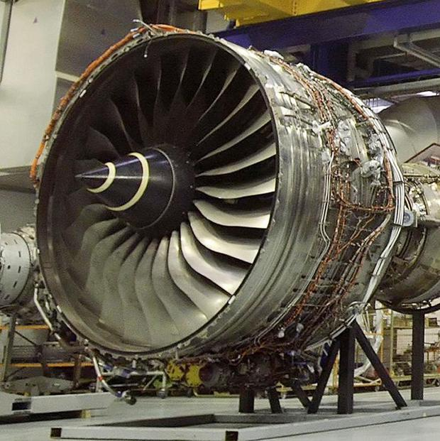 Qantas says it has reached a settlement with Rolls-Royce over last year's disintegration of a superjumbo engine