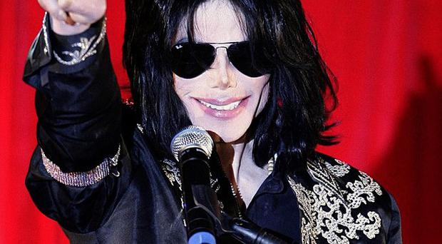 Michael Jackson's lawyer will be shown 100 hours of footage