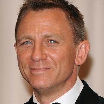 James Bond actor Daniel Craig has married actress girlfriend Rachel Weisz, his publicist has confirmed