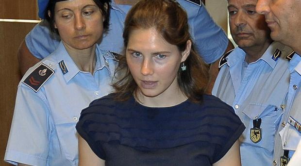 DNA evidence used to convict Amanda Knox may have been contaminated, independent experts have said