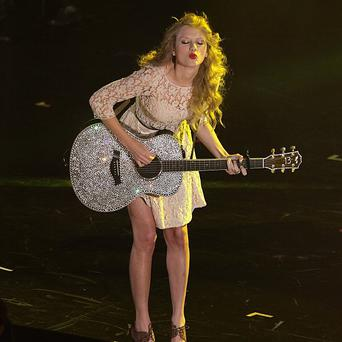 Taylor Swift had to postpone a gig because of illness