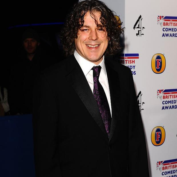 Alan Davies would rather see stand-up in its raw form