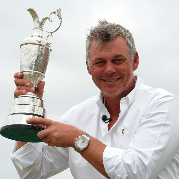Darren Clarke has presented his Open Championship winning medal to his home golf club