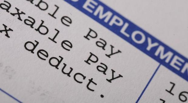Only one in four workers has received a pay rise this year, study finds