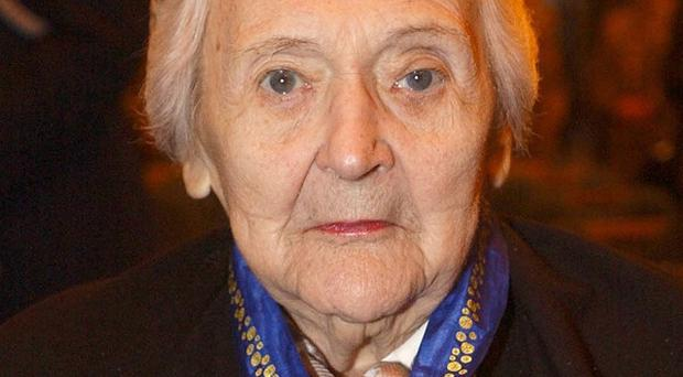 Australian spy and French resistance hero Nancy Wake has died in London at age 98 (AP)