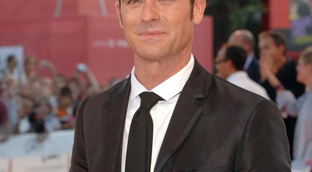 Justin Theroux is keen to do some more directing