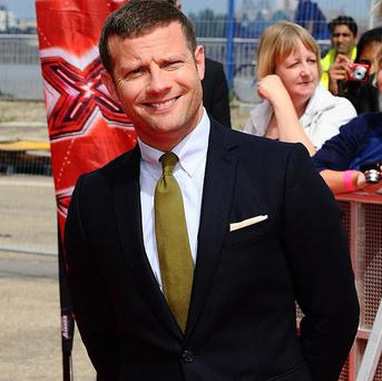 Dermot O'Leary says Louis Walsh is determined that the UK X Factor will be the best