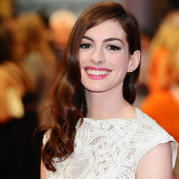 Anne Hathaway performed On My Own at the Oscars