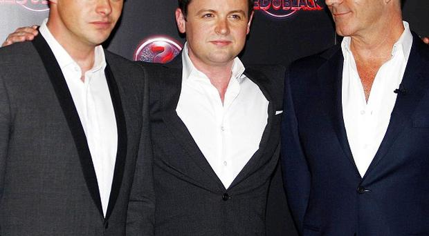 Ant and Dec host Simon Cowell's gameshow Red Or Black?