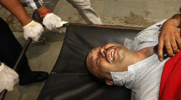 A bomb blast has hit the High Court building in New Delhi