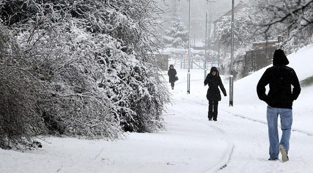 Siberian weather front set to bring 15c temperatures - What temperature to keep house in winter when gone ...