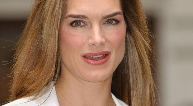 Brooke Shields will join Broadway stars to sing New York, New York