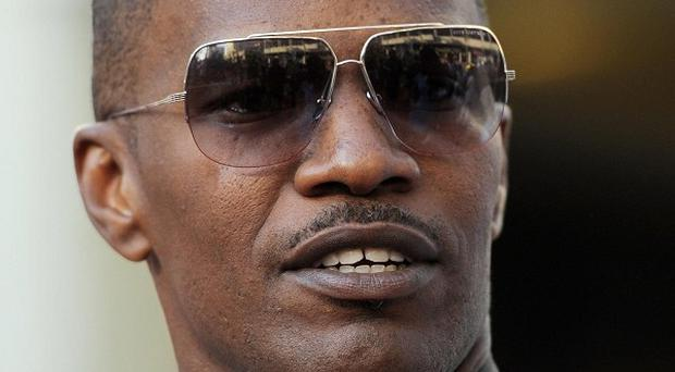 Jamie Foxx is to host the Michael Jackson tribute concert planned for Cardiff