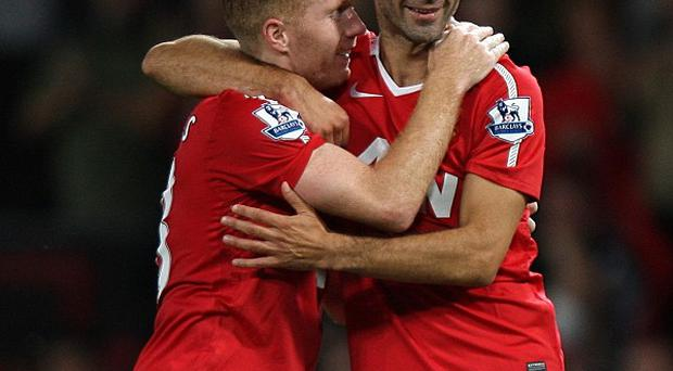 Ryan Giggs (right) and Paul Scholes