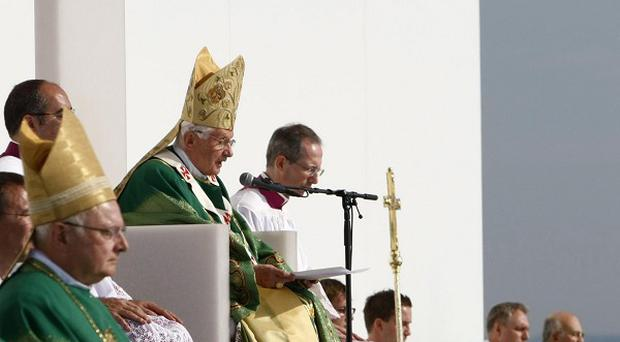 Pope Benedict XVI has celebrated the final Mass of his visit to his native Germany (AP)
