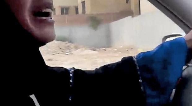 A Saudi woman will recieve 10 lashes after being caught driving (Change.org)