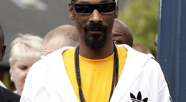 Snoop Dogg has praised a record-breaking Welsh farmer