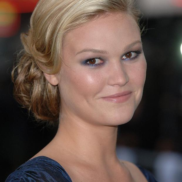 Julia Stiles is being linked to The Silver Linings Playbook