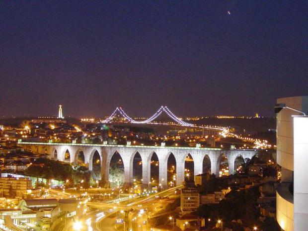 Lisbon's bridges at night