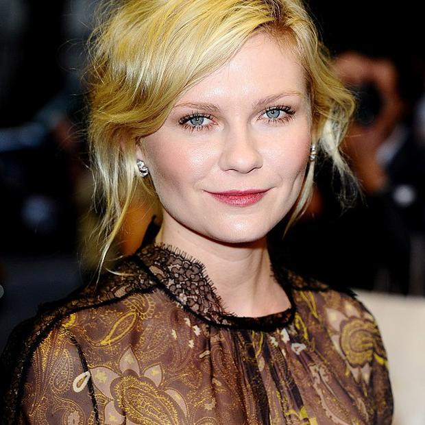 Kirsten Dunst is a big fan of Isla Fisher